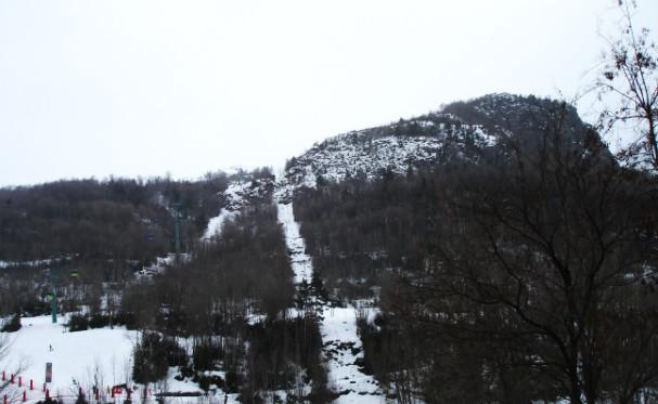 Pisata del bosque desde el parking de la estación de esquí de Panticosa