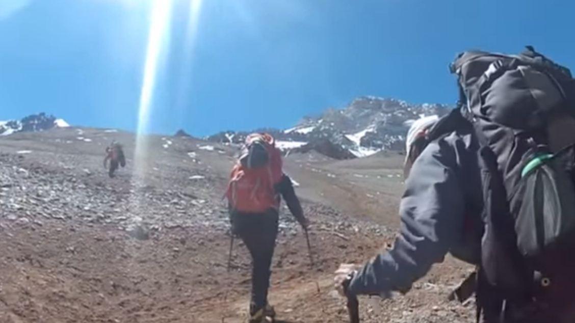 uso de los bastones en montaña